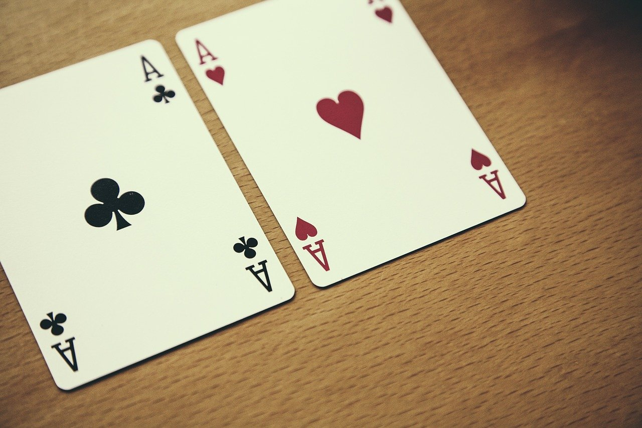 Hold'em Poker: 4 Tips To Stay On The Top Of Your Game